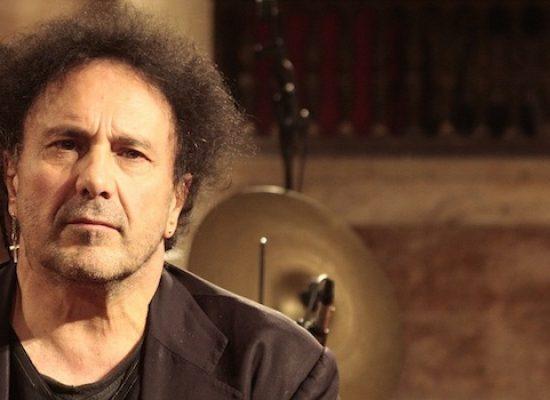 """Dopo il rinvio dello scorso gennaio, Enzo Avitabile arriva al Teatro Garibaldi con """"Acoustic World"""""""