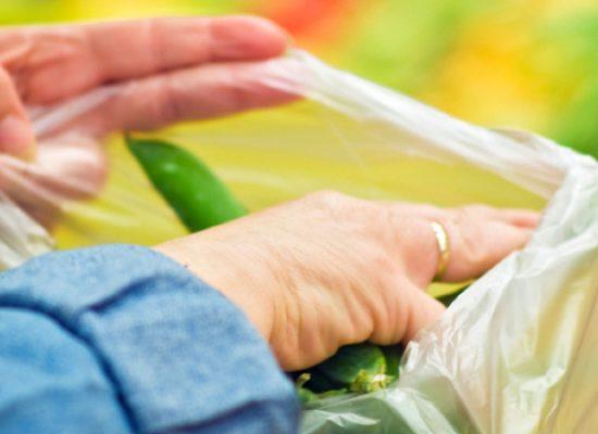 """Obbligo sacchetti biodegradabili, Carriera: """"Giusta la norma, sbagliate le tempistiche"""""""