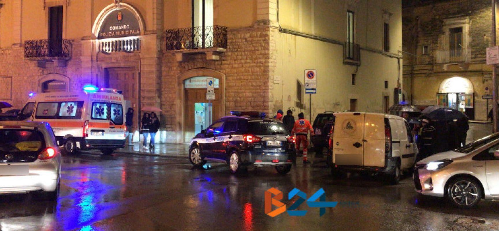 Tre anziane investite in piazza San Francesco