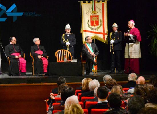 La comunità biscegliese ha dato il benvenuto al nuovo arcivescovo Monsignor D'Ascenzo / FOTO