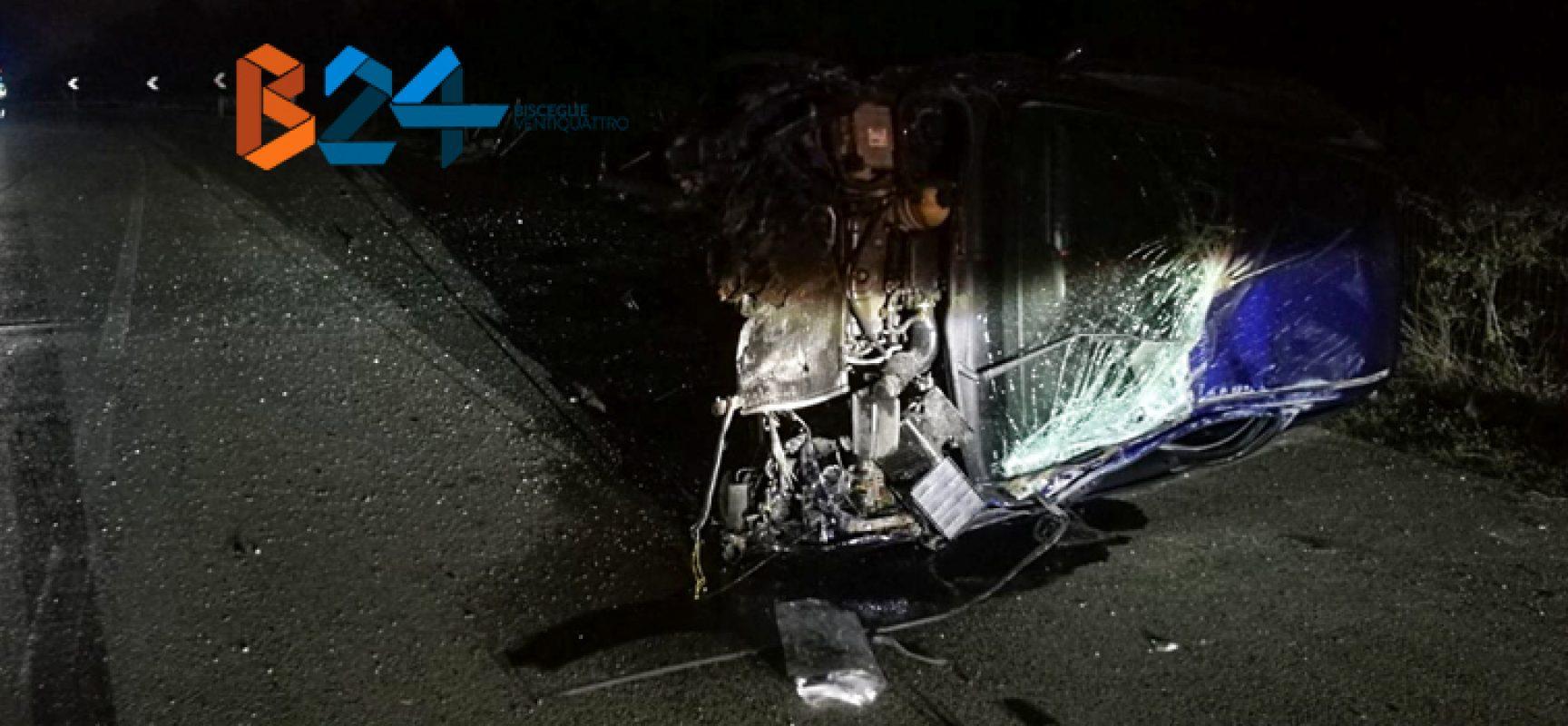 Auto si ribalta sulla Bisceglie-Andria, donna 35enne al pronto soccorso / FOTO