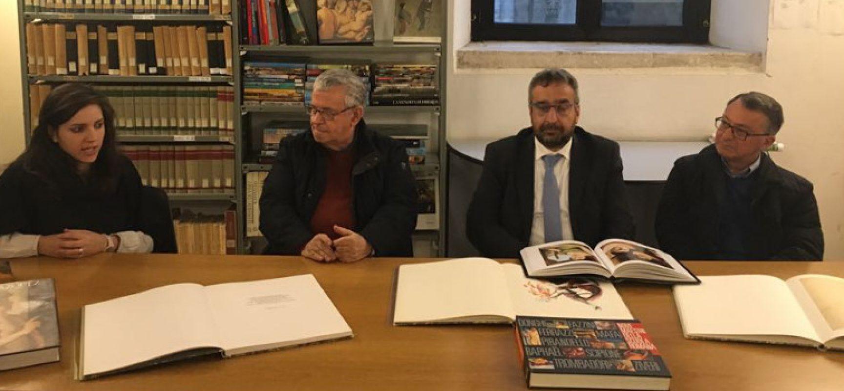 La famiglia Baldini dona novecento libri d'arte alla biblioteca comunale