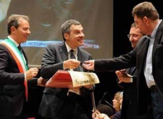 """Associazione Giovanni Paolo II: """"Un onore aver accolto Frizzi a Bisceglie, umile e generoso"""""""