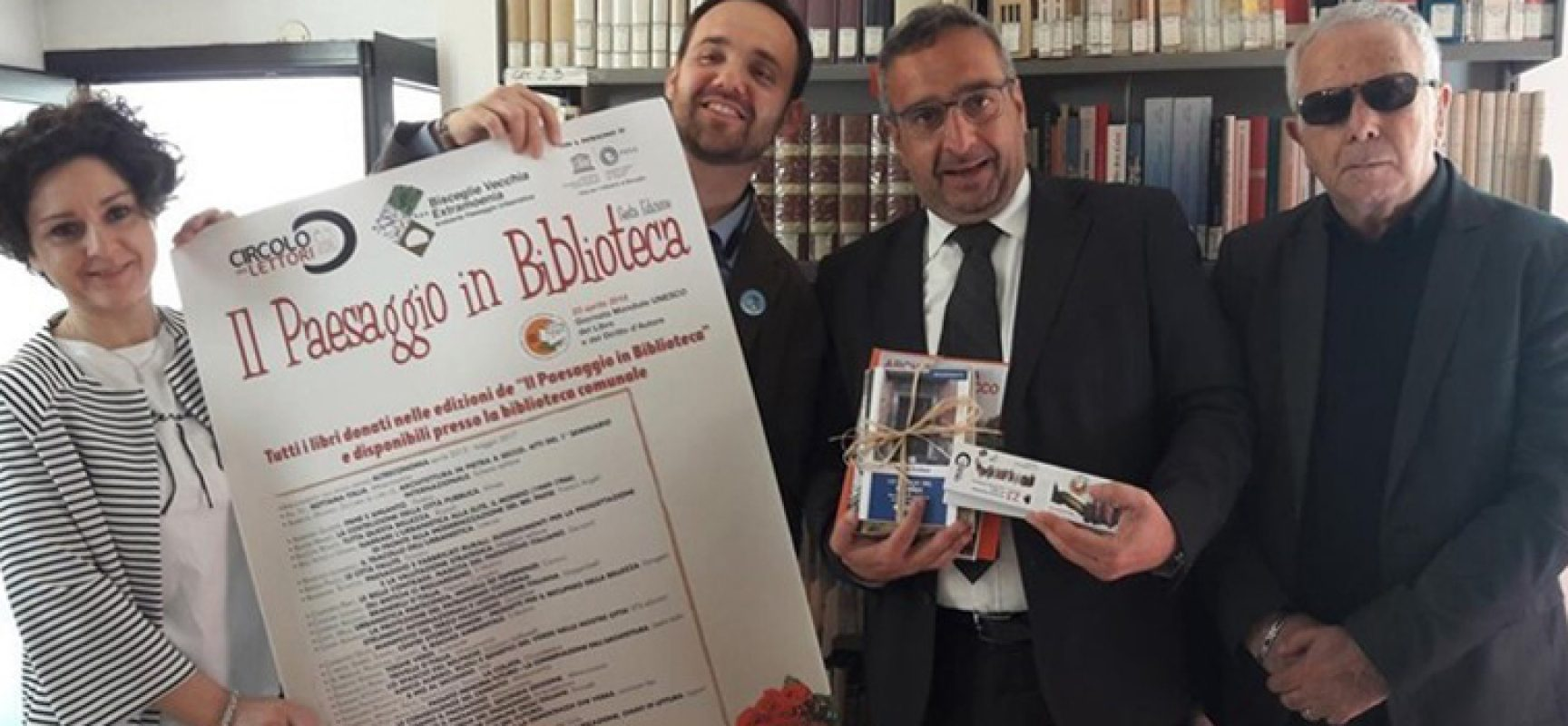 Nuovi testi donati alla biblioteca comunale da Circolo lettori, Unesco e Bve