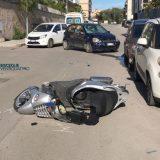 Scontro auto-moto in zona san Pietro, feriti due diciottenni