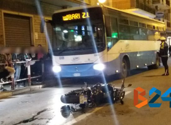 Incidente tra due auto e una moto su via Imbriani /FOTO