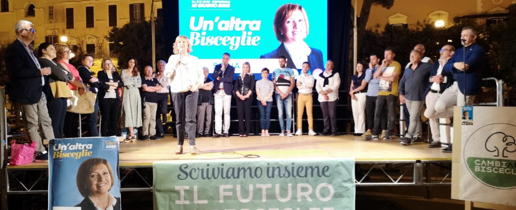 """""""Un'altra Bisceglie"""", primo comizio per la candidata sindaca Tonia Spina"""