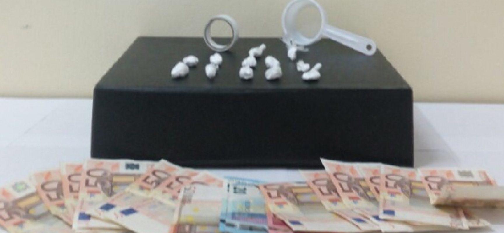 Cocaina nascosta nel ciclomotore, andriese arrestato sul lungomare di Bisceglie