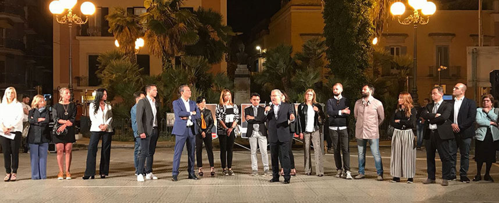 """Napoletano e Spina presentano le liste: """"Numero sterminato di opere pubbliche, non sprechiamo tutto"""""""