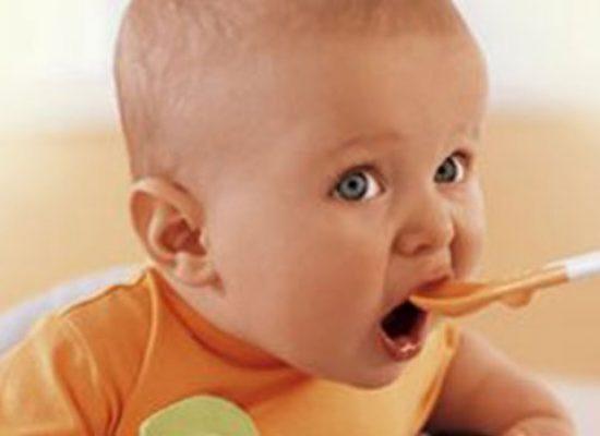 """Operazione """"Tutti a Tavola!"""", distribuzione gratuita prodotti per prima infanzia alla """"Cosmai"""""""