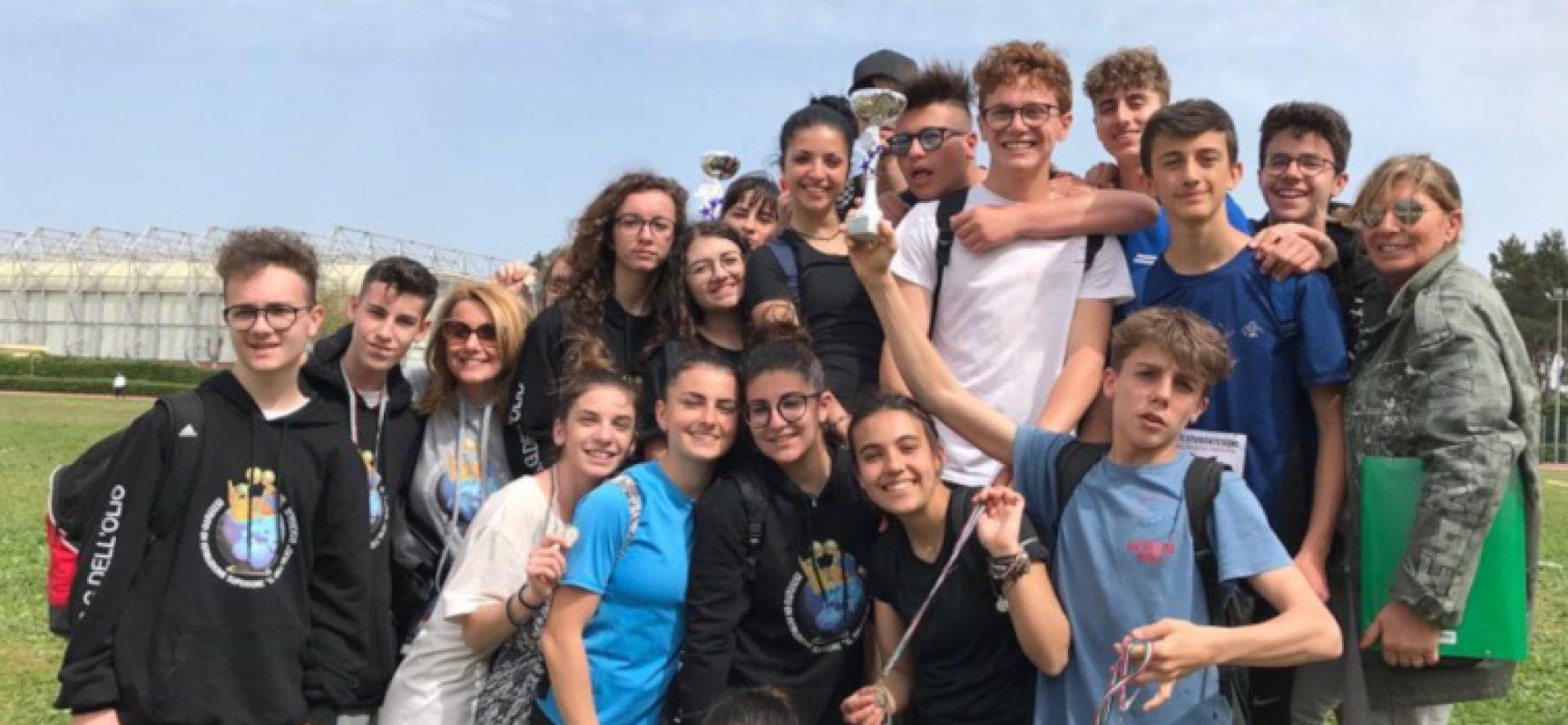"""Ottimi risultati per gli studenti dell'Istituto """"Dell'Olio"""" nelle gare di atletica leggera e nuoto / FOTO"""