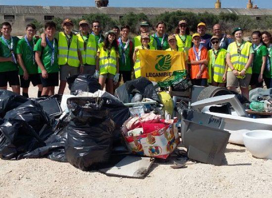 """Legambiente """"Spiagge pulite 2018"""", raccolti cinque quintali di rifiuti a Cala del Pantano"""