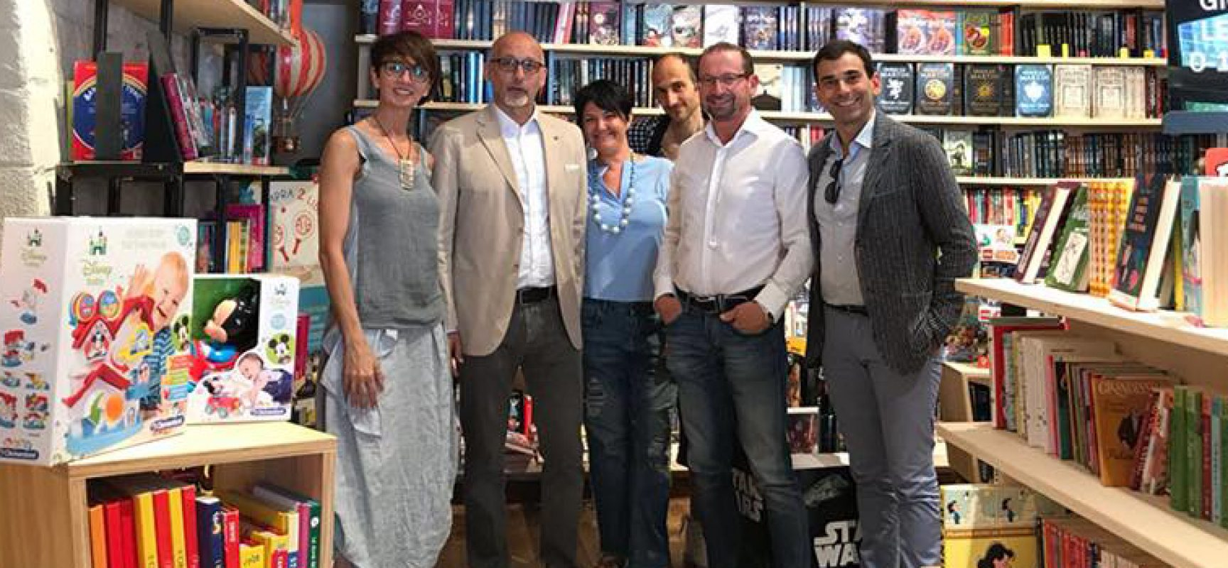 L'Ad di Mondadori Retail in visita al bookstore nelle Vecchie Segherie Mastrototaro