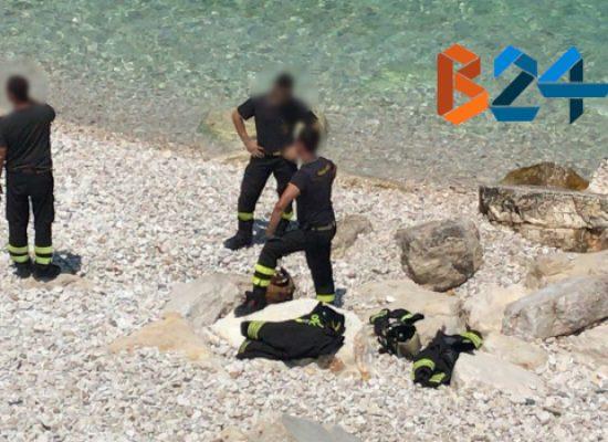 Bombola di gas in spiaggia al Macello, intervenuti vigili del fuoco