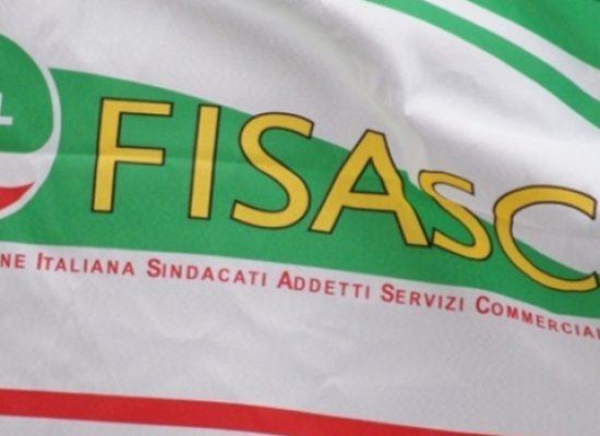 """Cisl Puglia dice """"no"""" all'apertura di centri commerciali, supermercati e negozi a Ferragosto"""