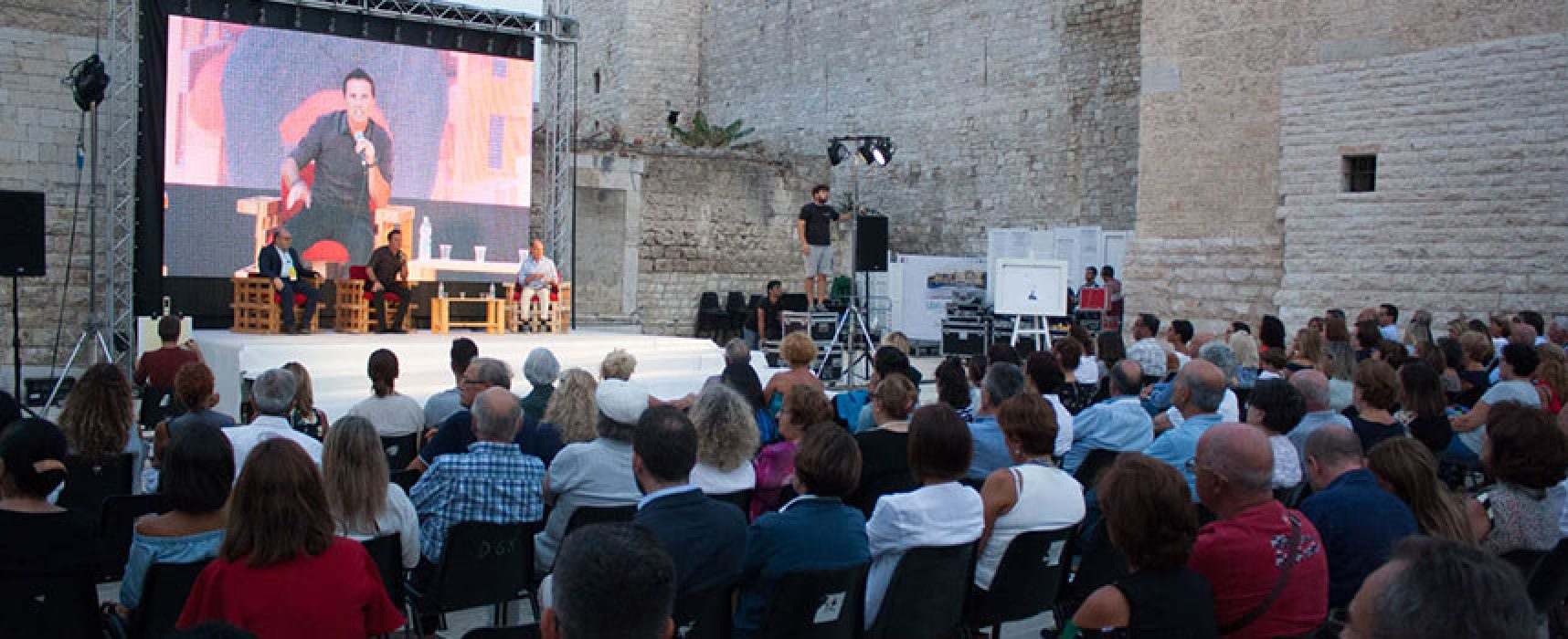 Libri nel Borgo Antico e Dialoghi di Trani incontrano i candidati presidente alla Regione Puglia