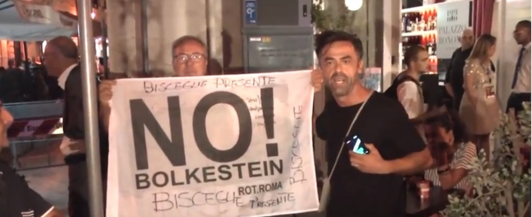 No Bolkenstein, CasAmbulanti Bisceglie a Largo Castello in occasione della visita di Di Maio