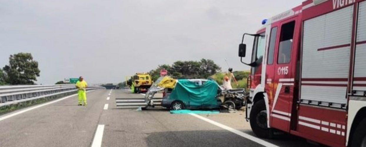 Incidente sulla A14: morti due biscegliesi e altri due feriti, uno è grave