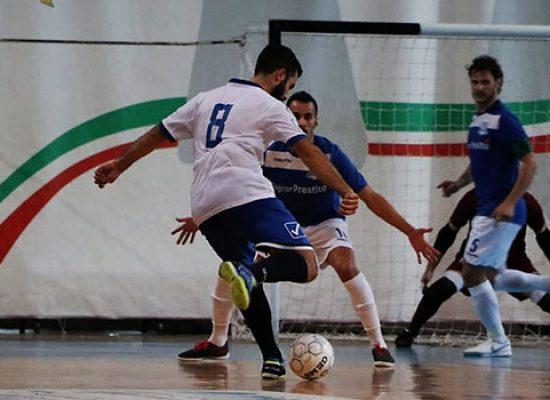 Il Futsal Bisceglie dura un tempo, Signor Prestito CMB espugna il PalaDolmen