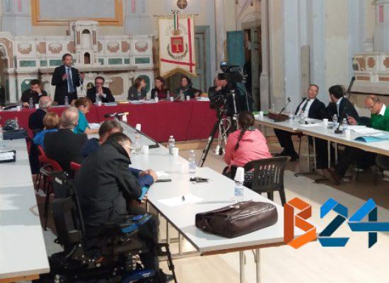 Consiglio comunale, interrogazioni su Bisceglie Approdi e autorizzazioni occupazioni spazi pubblici