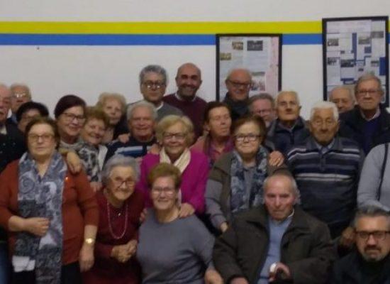 La Compagnia Dialettale regala sorrisi al Centro Anziani e dà appuntamento alla prossima commedia