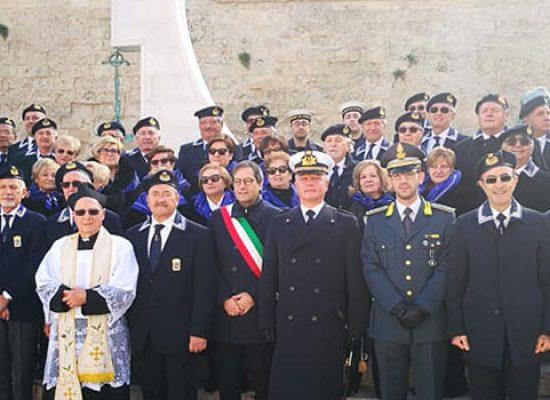 Sindaco e Marinai d'Italia di Bisceglie hanno ricordato in una cerimonia i caduti in mare