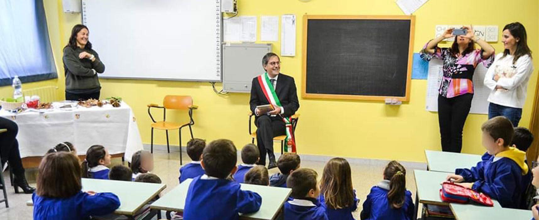 """Gli studenti biscegliesi tornano sui banchi di scuola, Angarano: """"La scuola resta caposaldo fondamentale"""""""