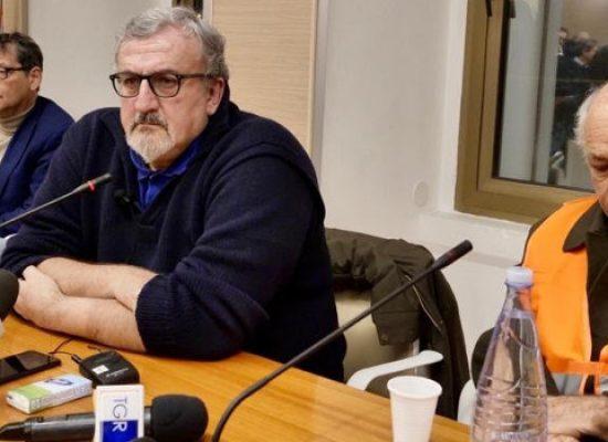 """Emiliano incontra gilet arancioni: """"Tutta la Regione concentrata nelle vertenze degli agricoltori"""""""