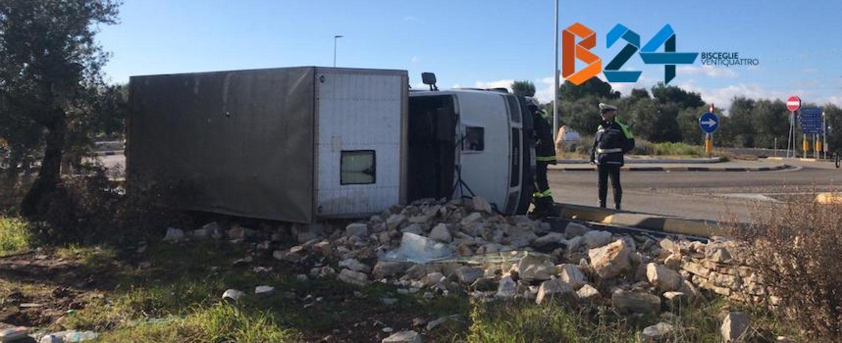 Camion si ribalta sulla Bisceglie-Corato: 24enne trasportato all'ospedale di Bisceglie