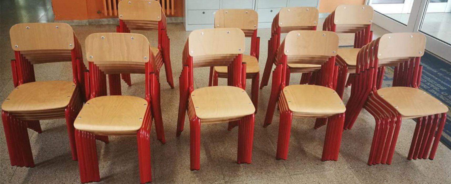 Scuola: consegnati banchi, sedie e attrezzature alle scuole elementari e medie