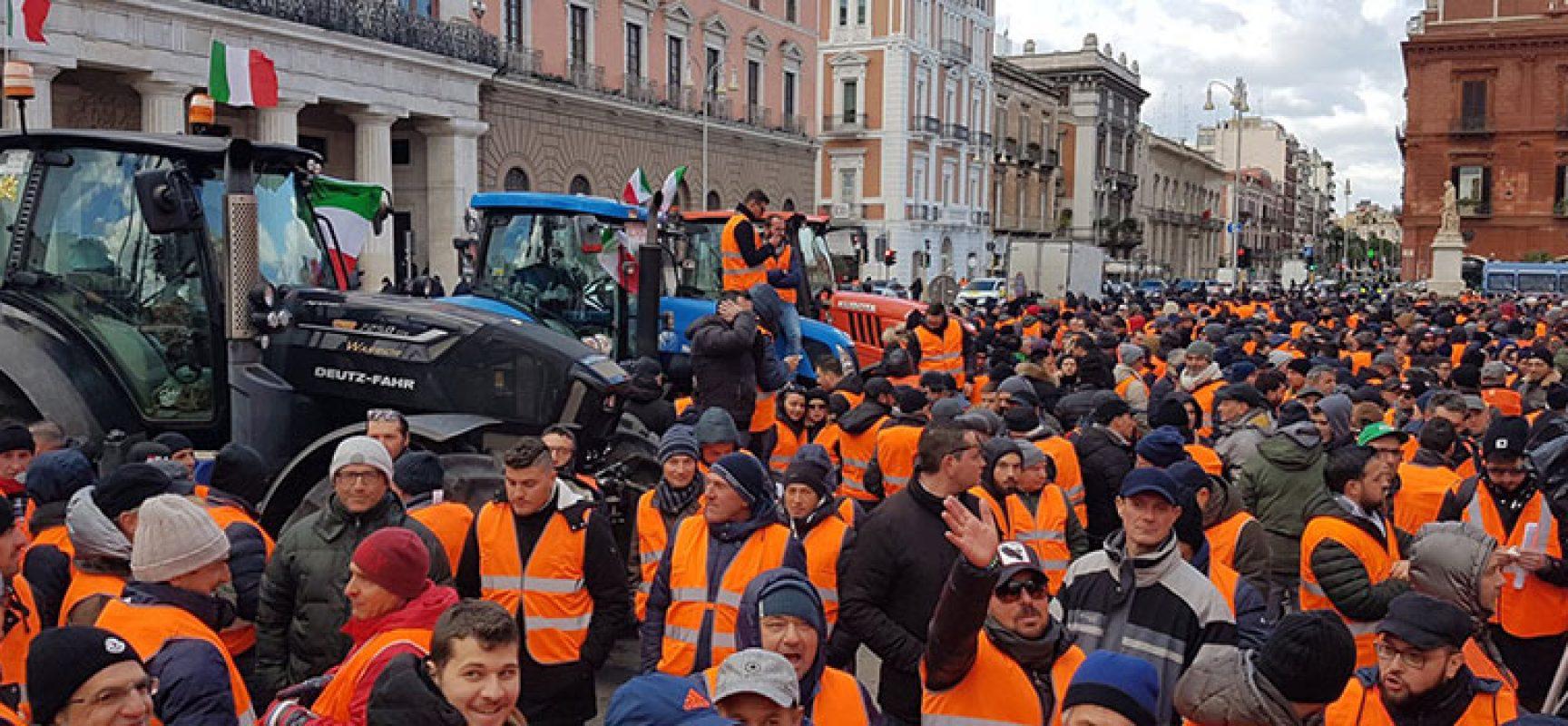 Gilet arancioni, il Comune mette a disposizione un pullman per la manifestazione a Roma