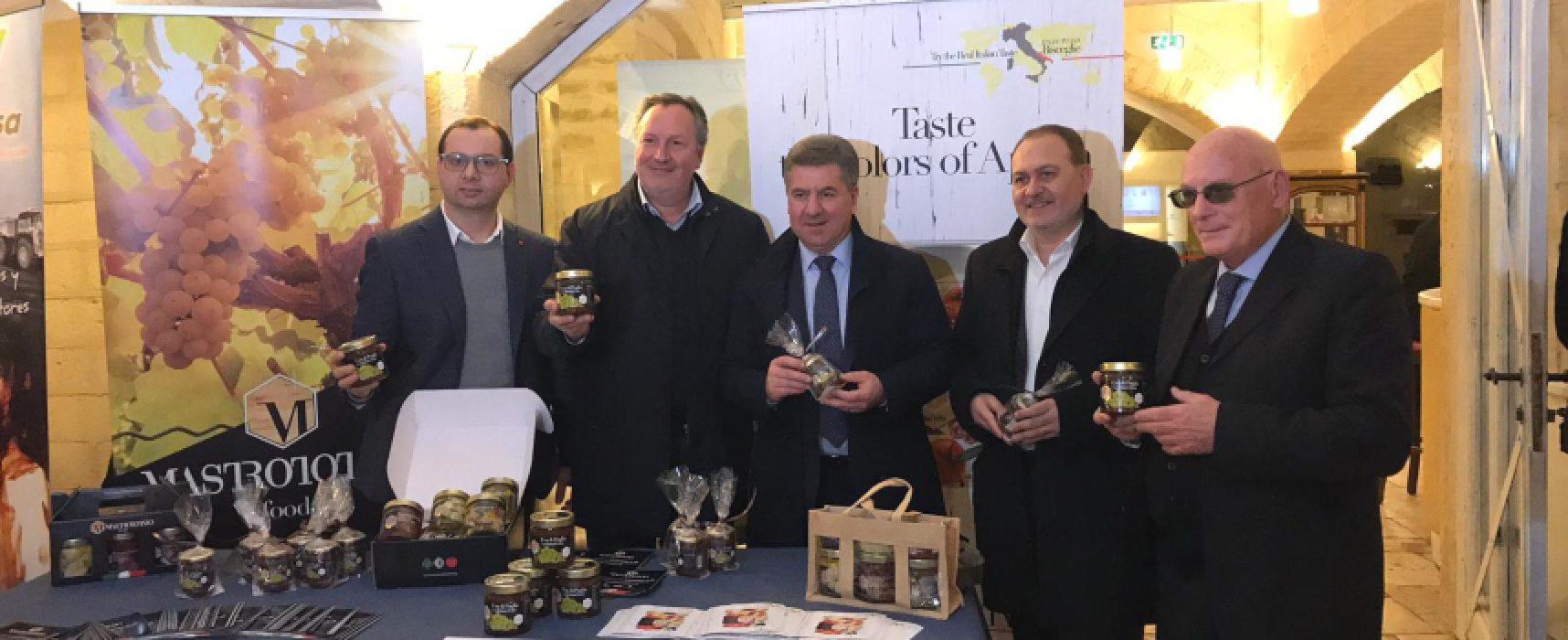 """Premio Uva da Tavola """"Targa Bacca d'Oro"""" all'azienda Mastrototaro Food di Bisceglie / FOTO"""