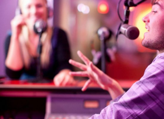 Giornata mondiale della radio, Club Unesco Bisceglie e II circolo la celebrano su Radio Centro