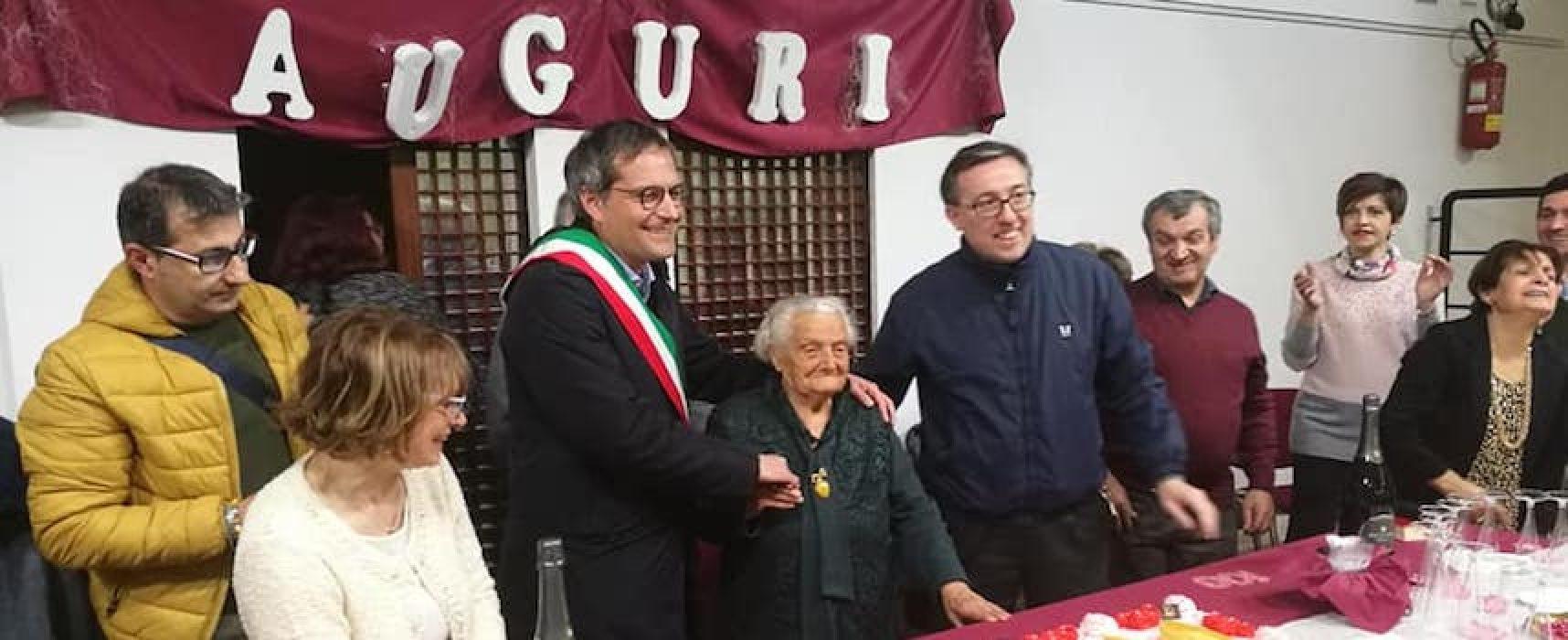 Nonna Isabella spegne 100 candeline, la città la festeggia
