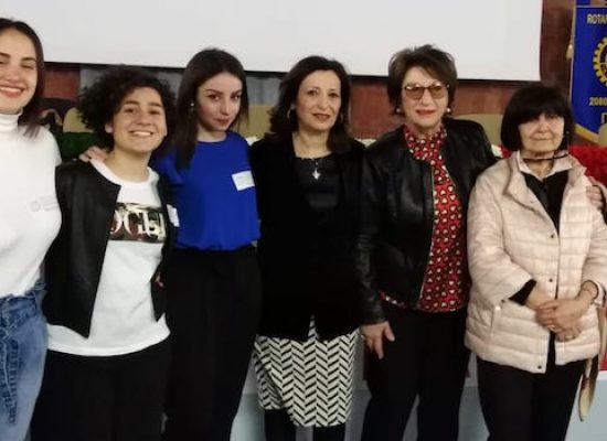 """Il cortometraggio realizzato da tre studentesse del """"Dell'Olio"""" premiato a Roma"""
