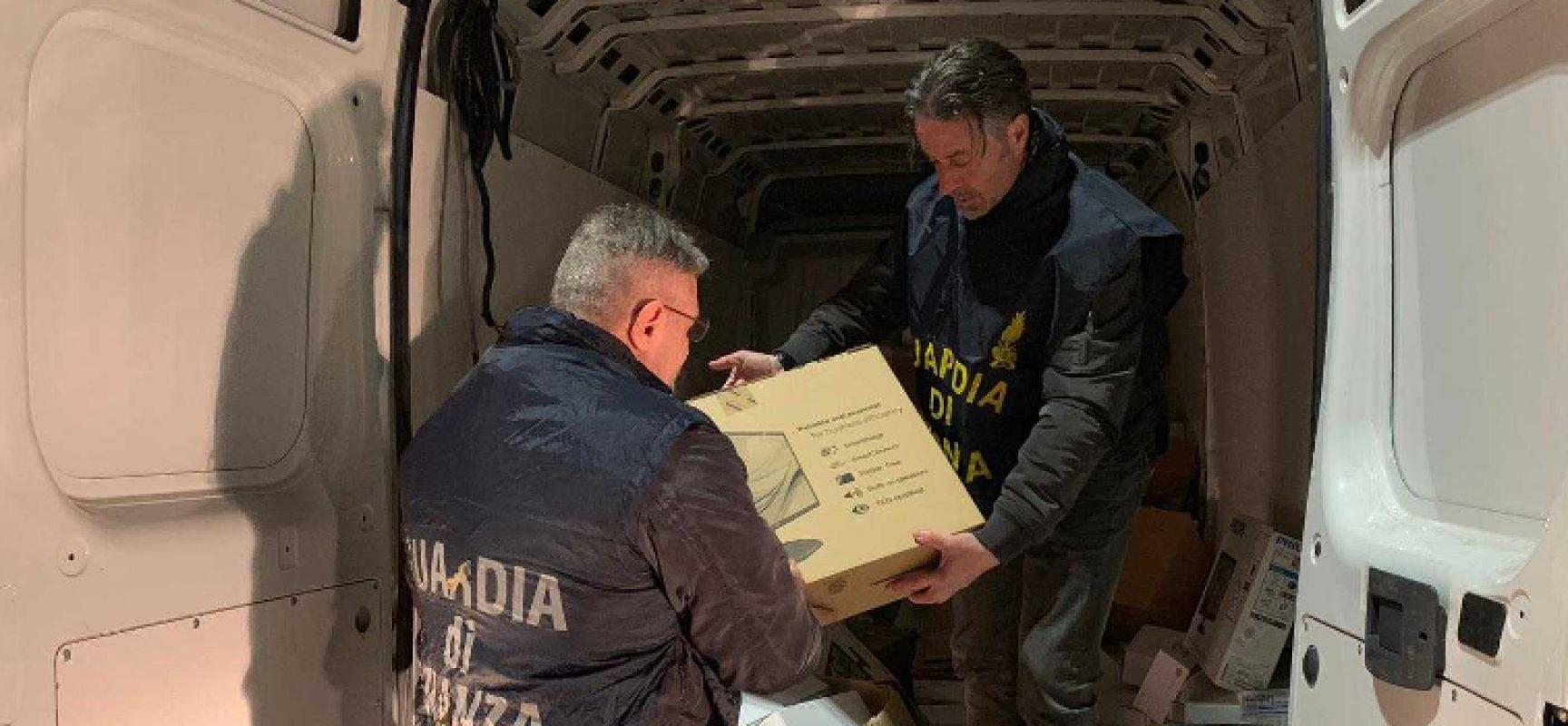 Guardia di Finanza intercetta furgone con 50mila euro di refurtiva sulla Andria-Bisceglie