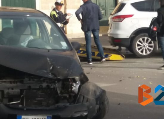 Incidente su Corso Sergio Cosmai, tre feriti