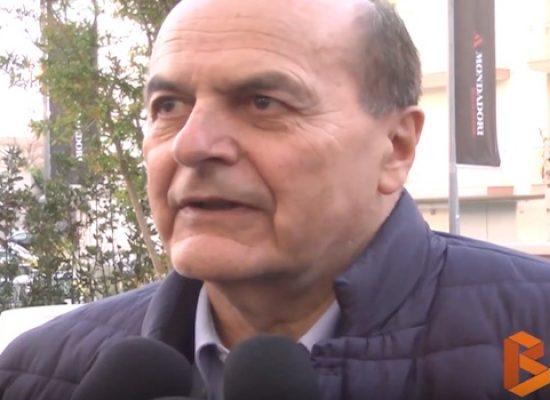 Rimpianti e speranze della sinistra, Bersani a Bisceglie dialoga con Padellaro e Truzzi / VIDEO