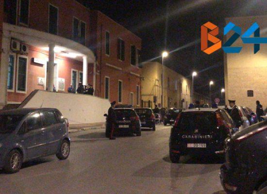 Spara durante inseguimento, 22enne arrestato dai carabinieri