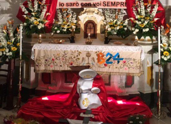 Giovedì santo, il primo rito sacro passa dalla tradizione dei sepolcri / FOTO