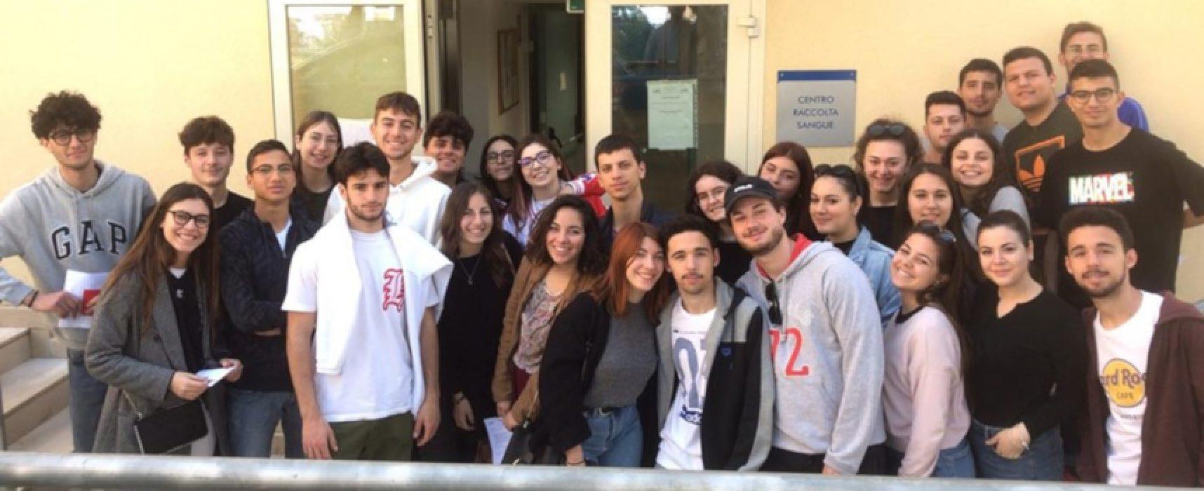 """Avis Bisceglie e Liceo """"da Vinci"""" insieme per una mattinata di raccolta sangue / FOTO"""