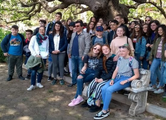 """""""At work in Europe"""", la Monterisi accoglie gli studenti europei coinvolgendo la città / FOTO"""