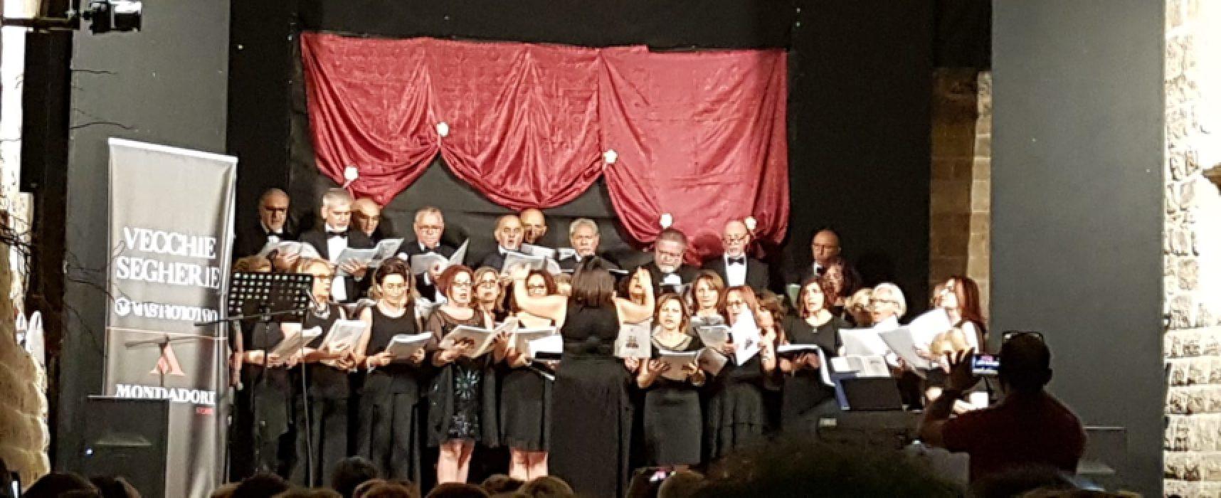 New Chorus emoziona con le più belle canzoni della tradizione napoletana / FOTO