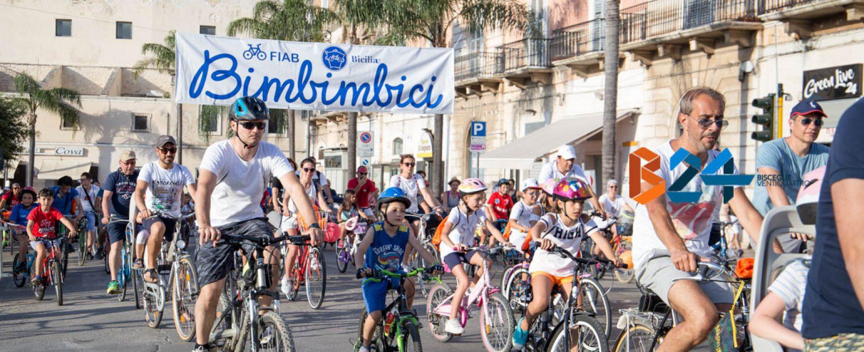 Bimbimbici, grande successo per la biciclettata tra le vie cittadine / FOTO