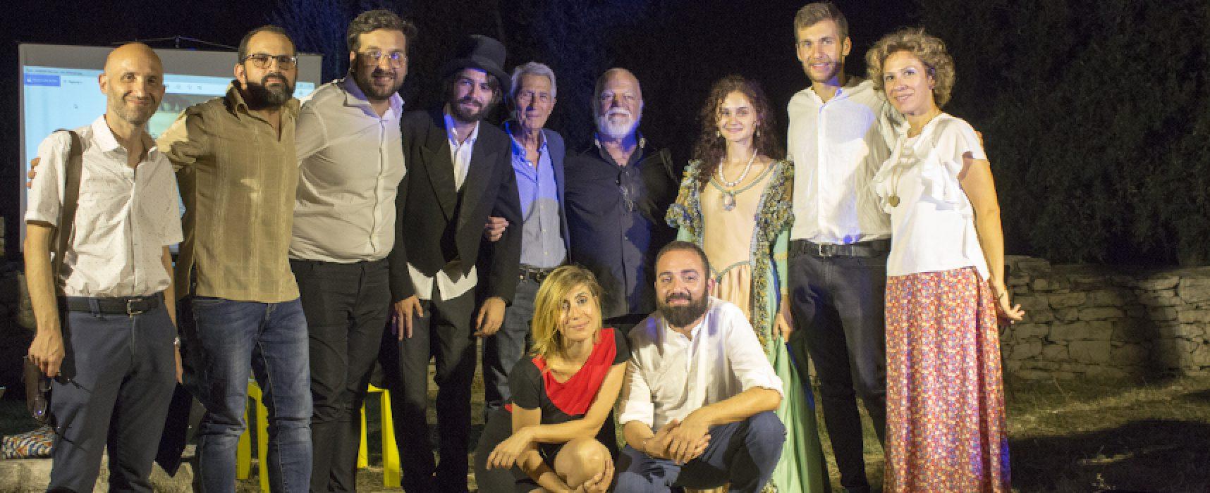 """""""Notte di Poesia al Dolmen"""" spegne la decima candelina, il VIDEO-ricordo di tutti gli ospiti"""