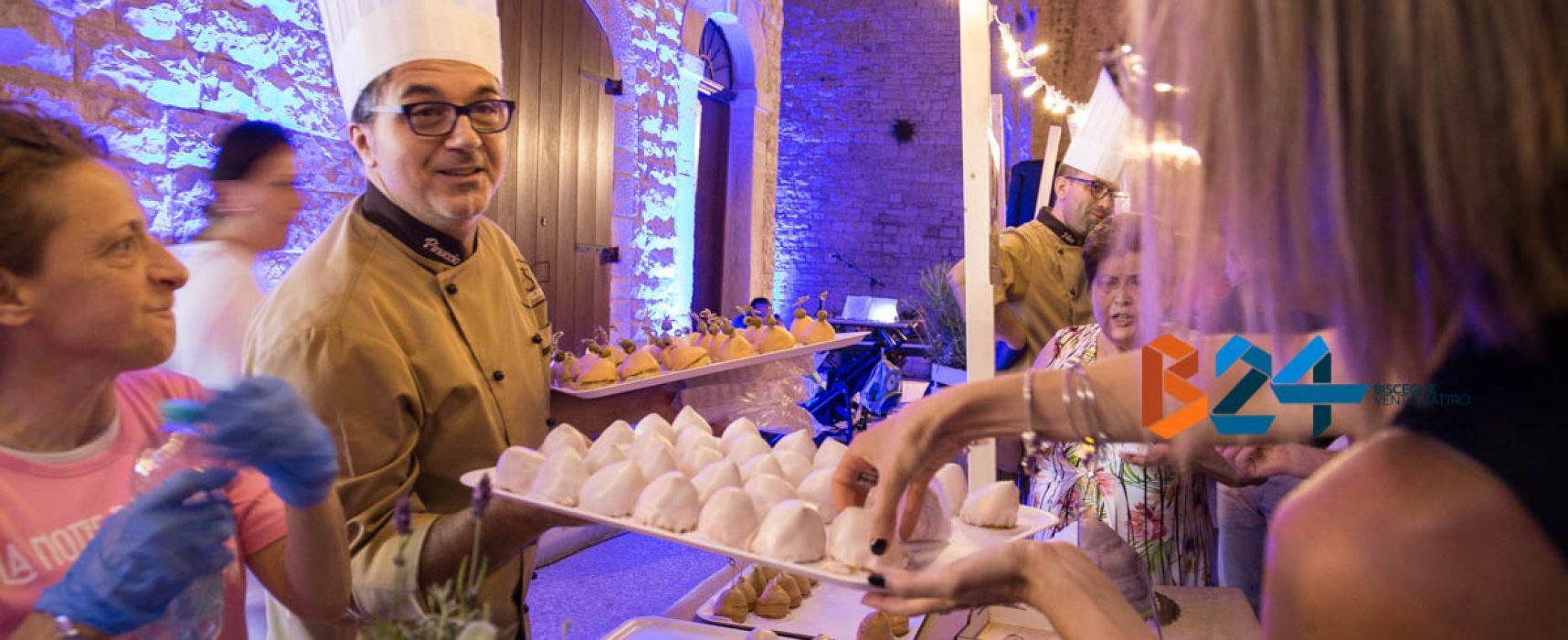 """Tradizione culinaria e solidarietà: gran successo per """"La notte del sospiri"""" / FOTO"""
