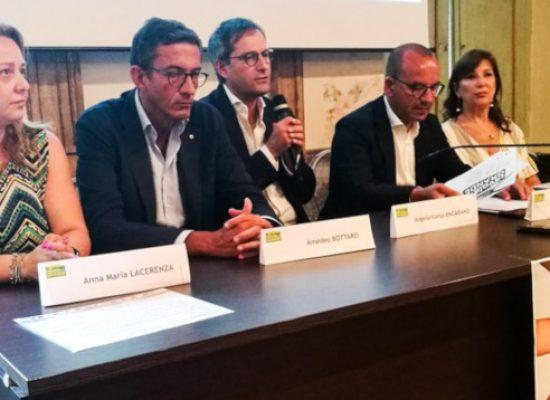 """""""Una tavola più grande"""", presentato il progetto per contrastare lo spreco alimentare e farmaceutico"""