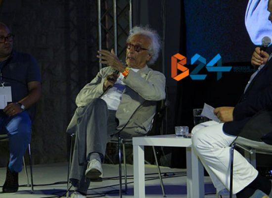 """""""Vivo per ciò che scrivo"""", Giampiero Mughini presenta la sua opera a Libri nel Borgo Antico"""