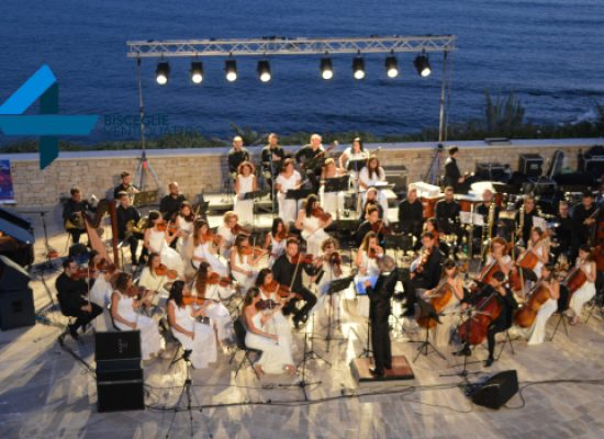 """""""Sol dell'Alba"""", originalità, magia e musica di alta qualità al Teatro Mediterraneo / FOTO"""