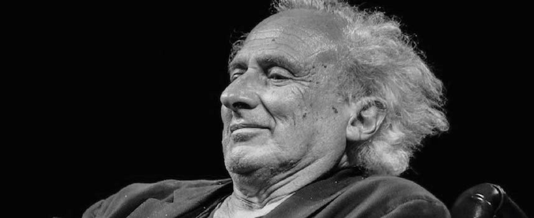 """Musica e poesia sulla """"Scalinata dei lettori"""" con Stefano Benni"""